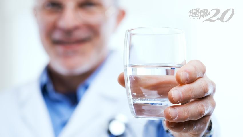 少喝水也會高血壓!醫學博士教你喝水救命 公開餐前、餐後喝水最佳時機