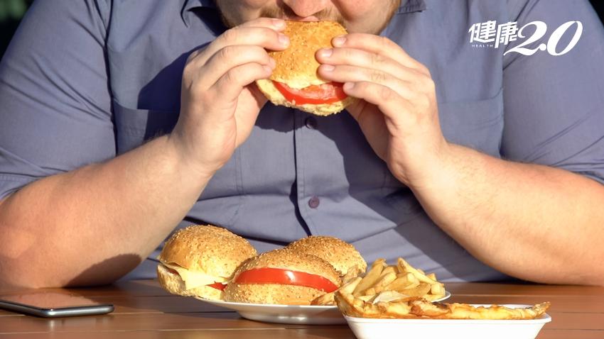一個人吃飯容易變肥胖!BBC公布5種有效對抗肥胖小技巧 多吃4種「飽足感食物」助減重