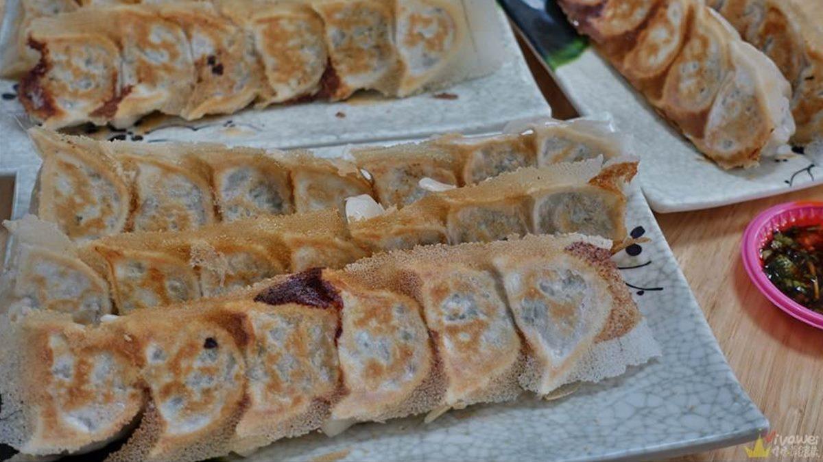 苗栗火車站周邊必嘗4小吃:1小時完售芋頭糕、特製醬料煎餃、爆汁餡餅