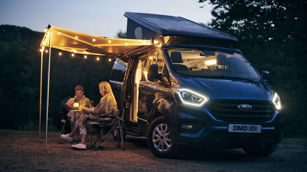 近期Ford又釋出了Transit Custom Nugget長軸版車型的資訊,替廣大露營玩家創造更多使用可能。(圖片來源/ Ford) 車上就有廁所! Transit Custom Nugget長軸露營車亮相