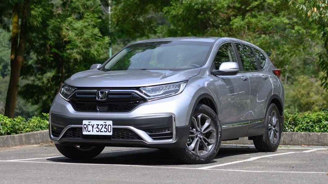 Honda CR-V在國產熱門休旅級距向來都有不錯的銷售表現。 小改款CR-V累積訂單突破2,000張 9月購車加贈5年延長保固