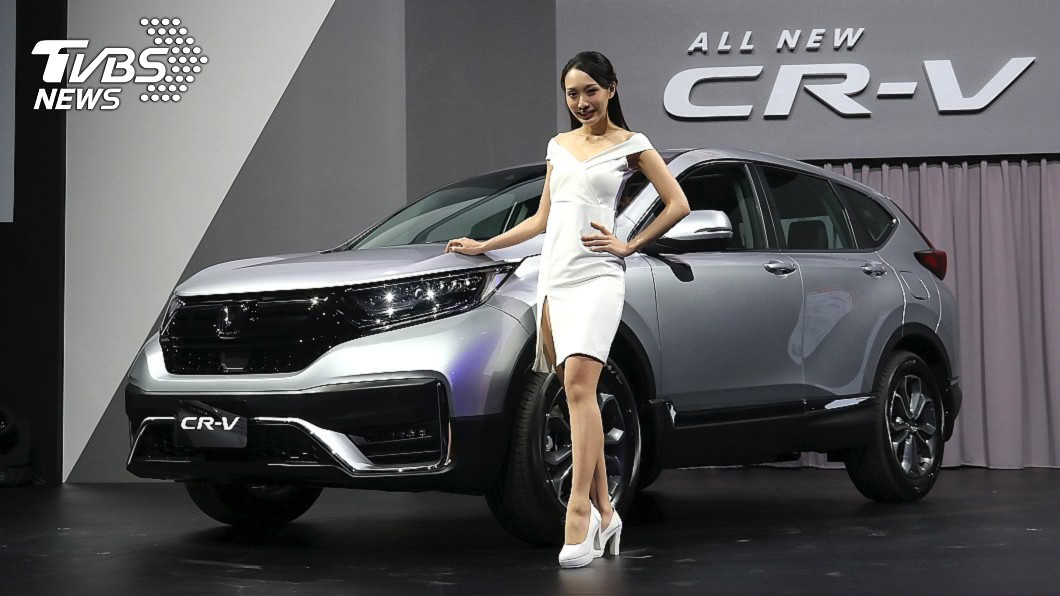 小改款CR-V正式在台上市,入門較預售再降2萬元,搭配舊換新補助可壓至90萬元以內。 入門再降2萬舊換新不用90萬 小改CR-V 94.9萬元起上市