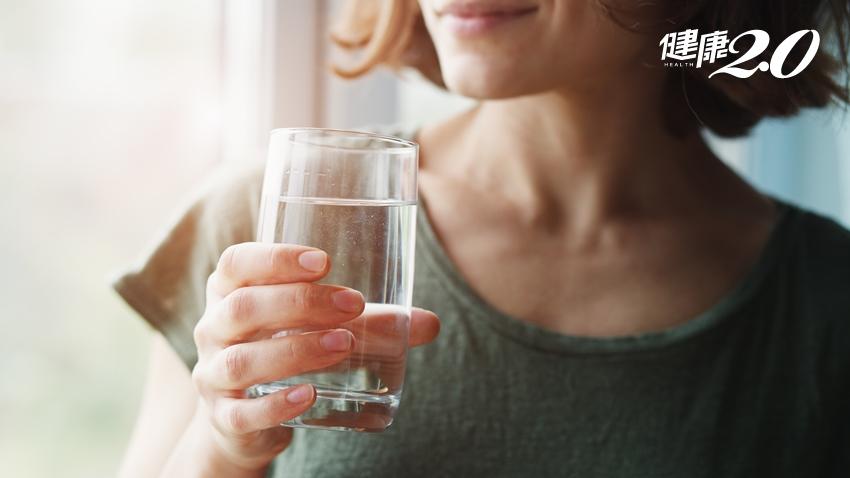 健康喝水時刻表:這7個時間務必喝一杯 「少量多次」不暴飲