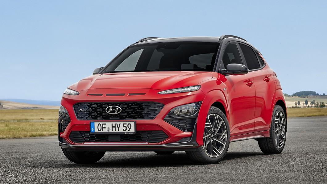 Hyundai在2017年推出了Kona,當時這款跨界小休旅便以獨特的外型帶來極高討論度。(圖片來源/ Hyundai) 小改款後判若兩車! Kona內外觀細節曝光