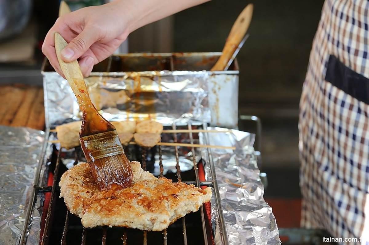 金門老饕認證!特製醬汁「炭烤雞排」超唰嘴,Q脆地瓜薯條也必點