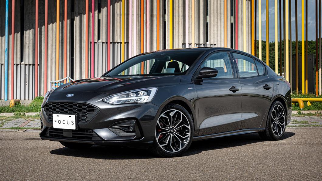 Ford為喜愛四門運動房車之消費者導入Ford Focus四門ST-Line Lommel 德式運動房車。(圖片來源/ Ford) 瞄準Altis GR Sport 四門ST-Line Lommel新登場
