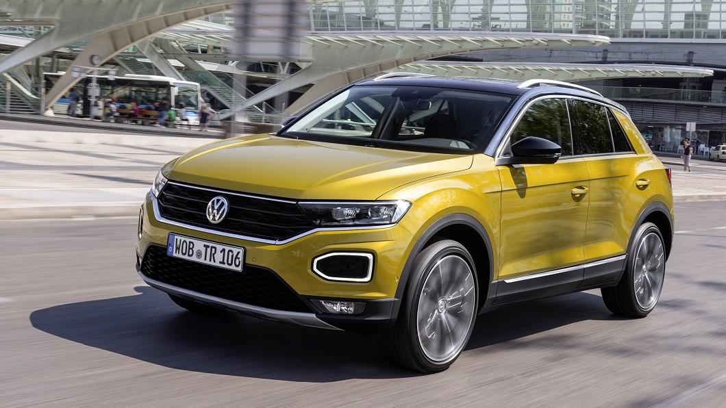 T-Roc 1.5 TSI動力車型油耗資訊曝光,可繳出16.3km/L平均油耗。(圖片來源/ Volkswagen) T-Roc 1.5繳16.3km/L油耗 Touran與長軸Tiguan同步換裝