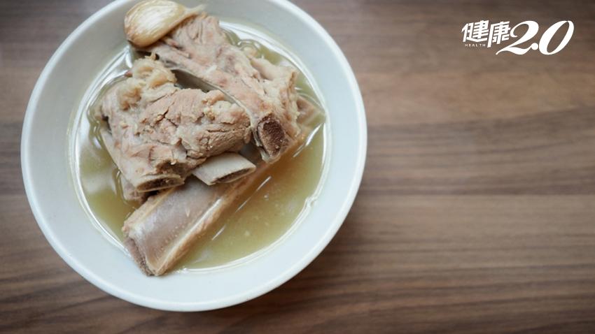 大骨湯是補鈣還是補鉛?吸骨髓也會吃到鉛!毒理專家:這個補鈣方法最好
