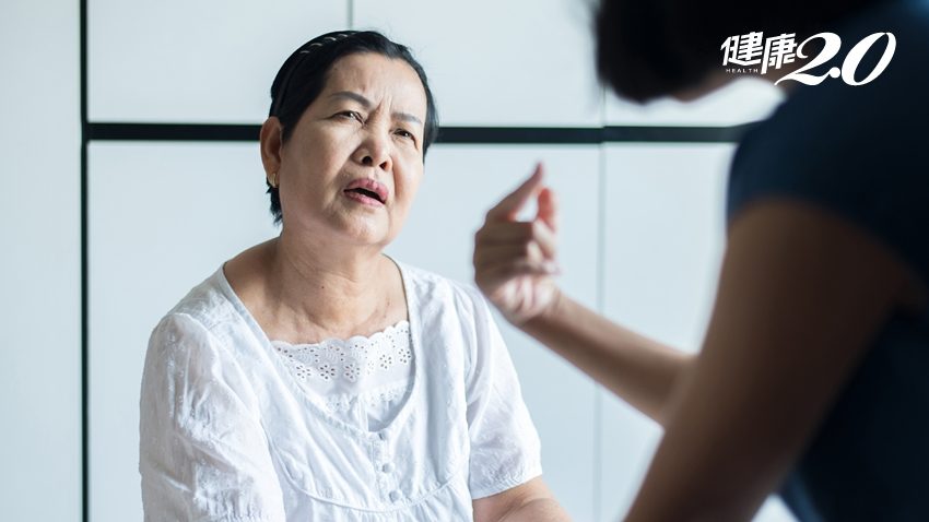 老人家「一問再問」是失智症嗎?糖尿病、女性風險高 1種檢查揪出早期失智