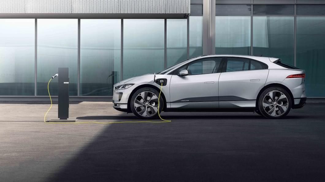你聽過「世界電動汽車日」嗎? Land Rover致力打造零排放永續環境