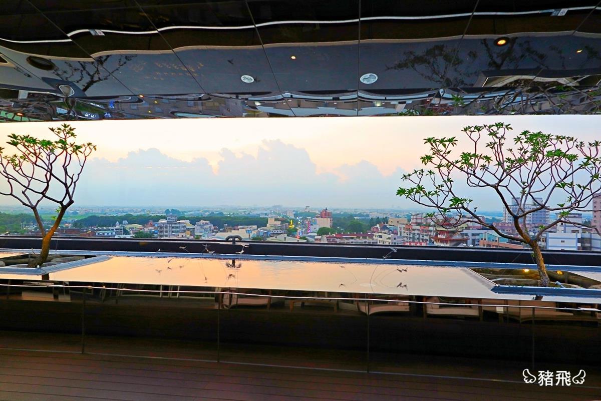 嘉義超狂親子飯店!獨棟兒童樂園溜400萬巨型滑梯,高空酒吧賞270度夕陽美景