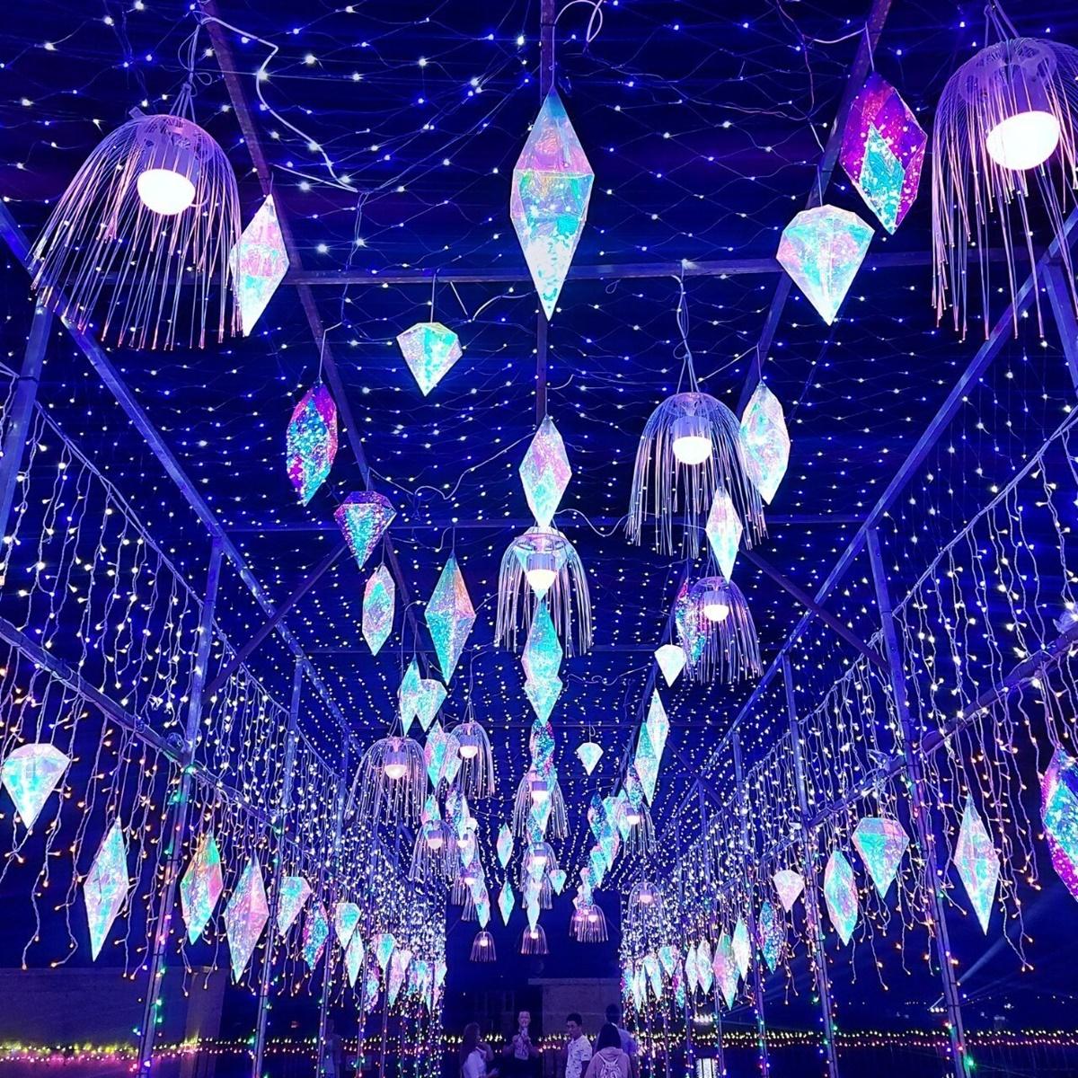 橫跨3個月超美「燈光節」!8公尺美人魚會旋轉、超狂「海平面」水舞秀