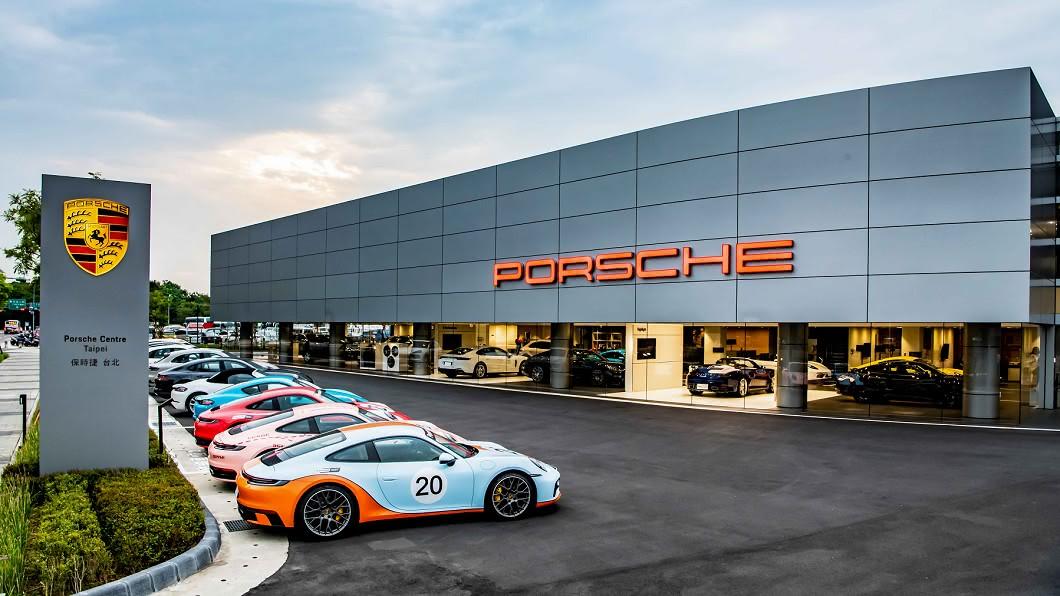 而坐落內湖區佔地逾4,200坪的台北保時捷中心,選在9/17隆重開幕。(圖片來源/ Porsche) 全台最大保時捷中心開幕 坐落內湖佔地4,200坪