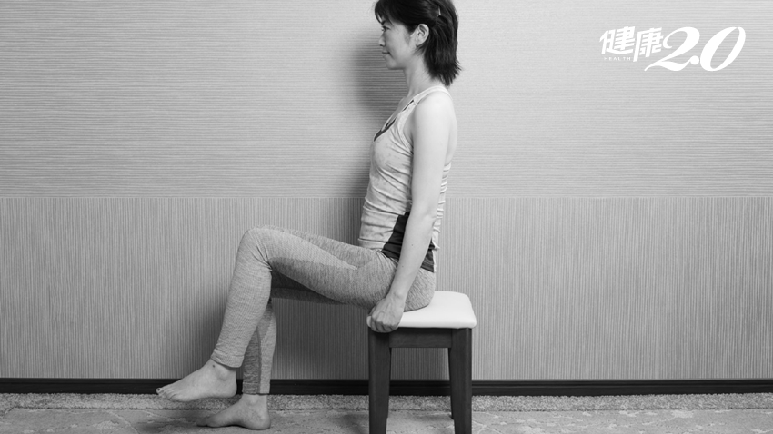 1天3分鐘,對膝蓋好的運動!坐在椅子上抬腳,看電視、辦公輕鬆做到