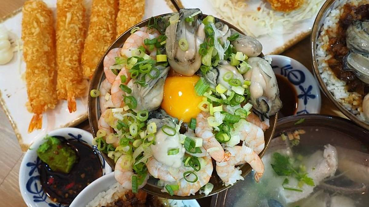 太欠吃!桃園隱藏版滷肉飯有12隻去殼白蝦,滿滿肥美鮮蚵入口甜爆
