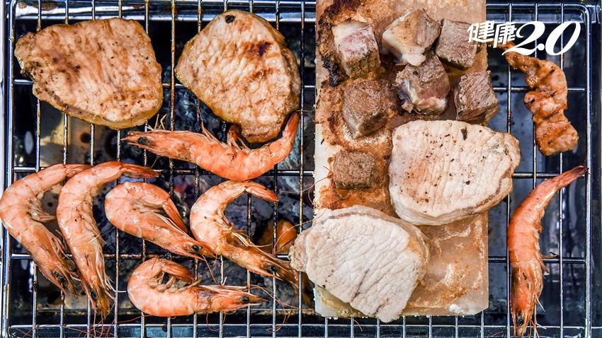 烤肉不要夾吐司吃!營養師建議選「這種肉」、秋刀魚不是海鮮首選