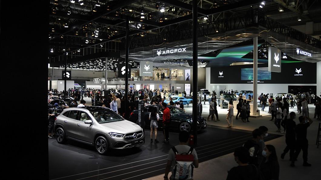 2020年北京車展規模明顯不如以往。(圖片來源/ Newspress) 北京車展迎接30週年 疫情影響國際聚焦熱度不如以往