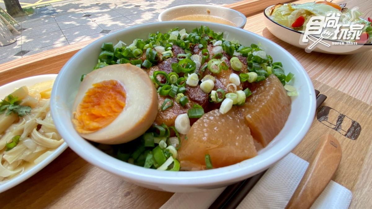 【新開店】一吃上癮!客家祖傳控肉飯+雙醬白肉,加碼再吃巨大「糍粑」