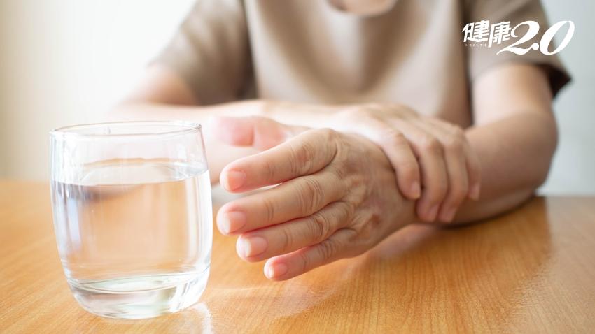 手抖到連喝水都難!65歲以上長者逾4%都有這苦惱,神波刀治療「原發性震顫」免開刀