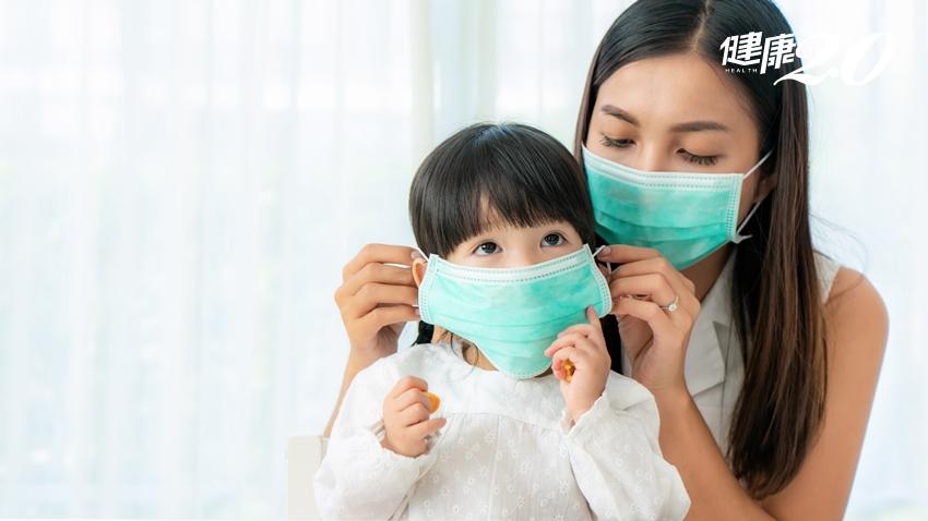 口罩戴起來!新冠病毒氣溶膠可飛2公尺 戴醫療口罩防護力達95%以上