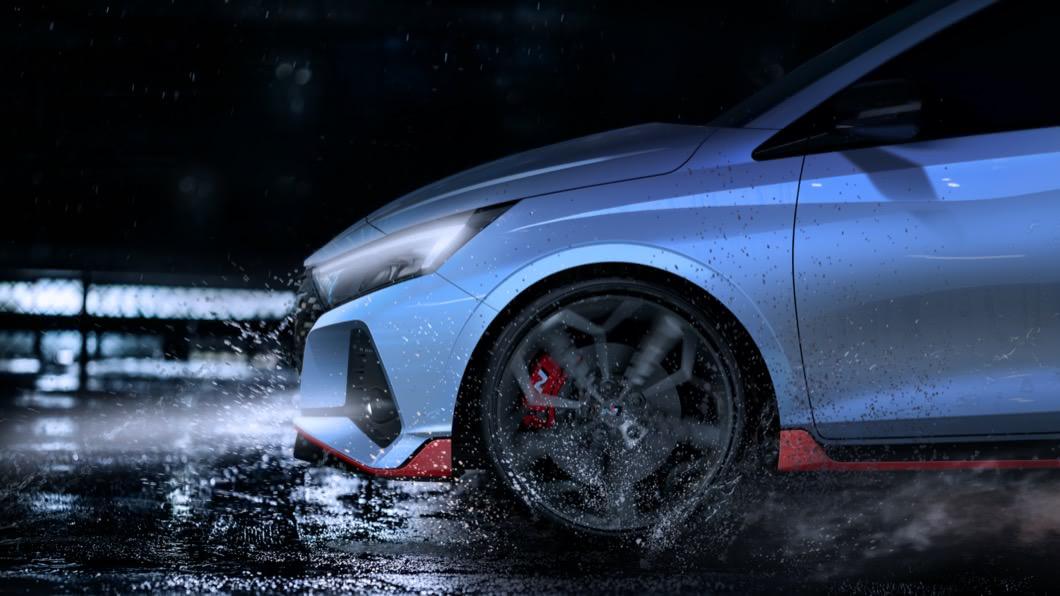 從外原廠所釋出的照片來看,全新i20 N具備更加誇張的空力造型。(圖片來源/ Hyundai) Hyundai i20 N預告圖釋出 預估馬力將突破200匹
