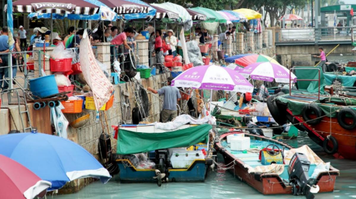原來香港也可以這麼慵懶~西貢一日遊,吃海膽海鮮,美拍鹽田梓小教堂