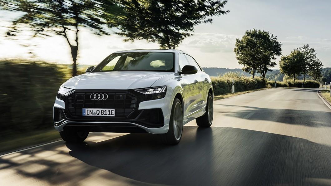 Audi正式為Q8推出Plug-in Hybrid插電式油電複合動力車型。(圖片來源/ Audi) Audi Q8插電式油電入陣 RS Q8預計年底前來台