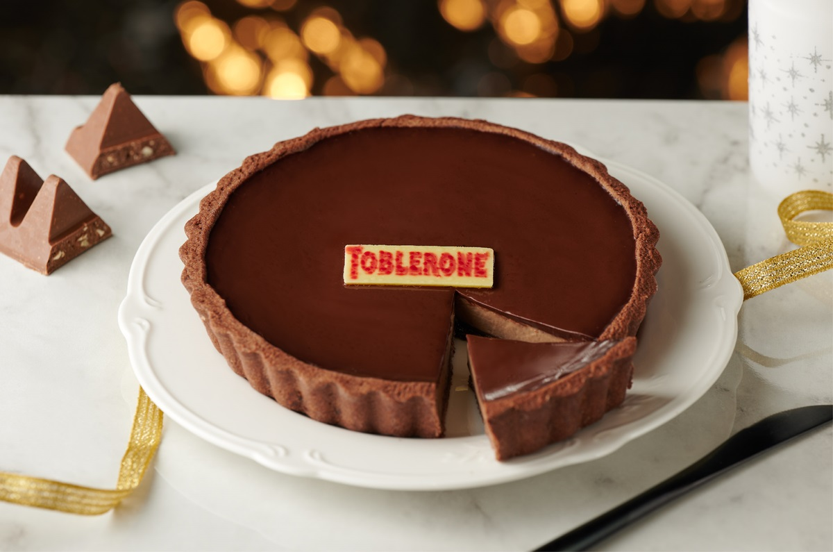 超狂125公分「巨型巧克力」抱回家!全台獨家TOBLERONE甜點,全聯這天開賣
