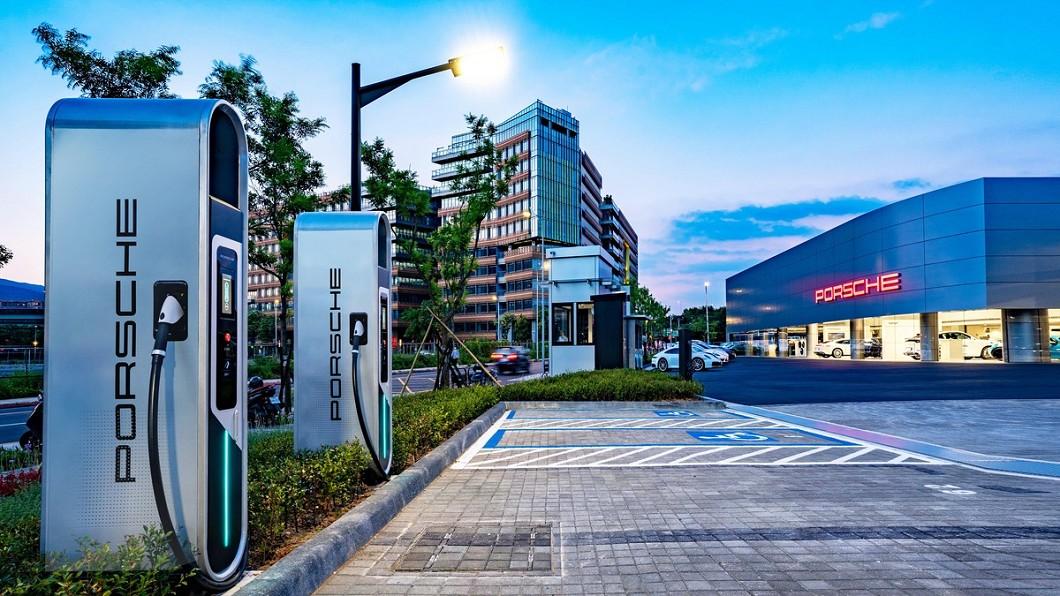 純電跑車Taycan即將抵台 保時捷積極布局高速充電網