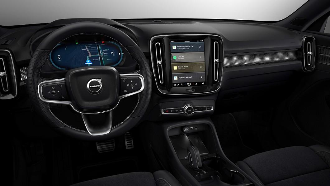 Volvo表示雖然智慧型手機與觸控螢幕容易使駕駛分心,但會透過各種輔助系統確保行車安全。(圖片來源/ Volvo) 觸控螢幕與手機影響安全? Volvo:我們會讓它更安全