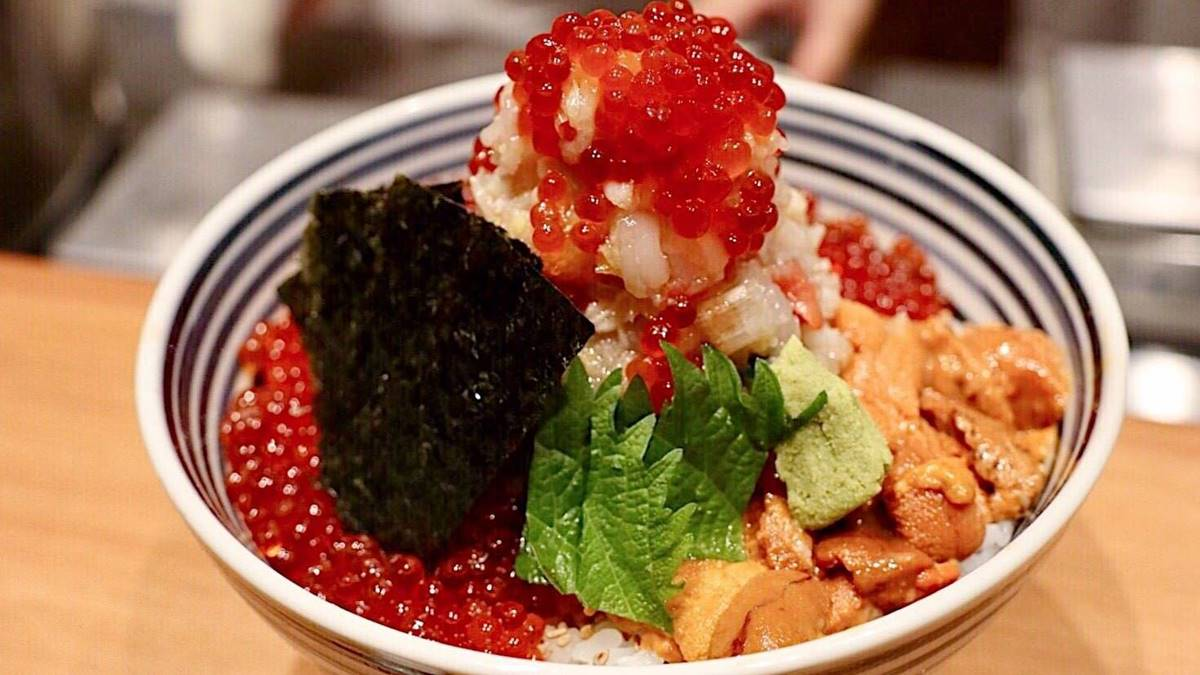 秋天海鮮就吃這道!北部10間超浮誇痛風料理:50顆蛤蜊青醬麵、龍蝦滷肉飯