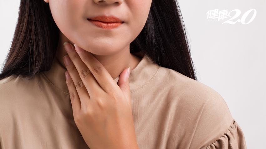 喉嚨痛不等於感冒!醫師教你「正確喝水」能改善 1種情況快就醫