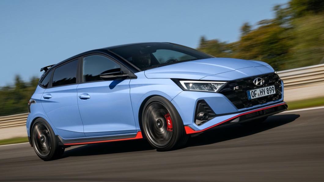 Hyundai日前公布了全新i20 N的相關細節,從外觀配色上就可以嗅到強烈存在感。(圖片來源/ Hyundai) 直接挑戰歐系鋼砲 全新Hyundai i20 N亮相