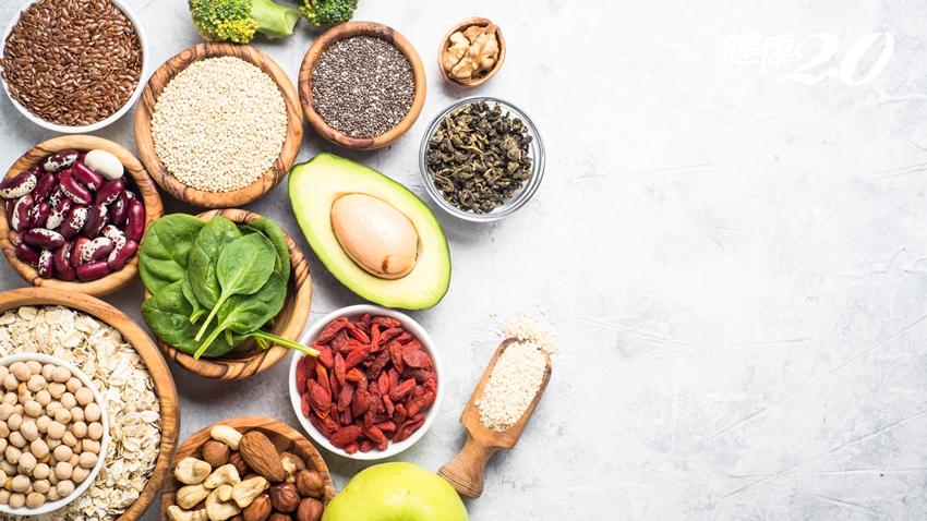 提升免疫力先養腸!營養師曝3大養好腸道關鍵食物 「無糖優格」1種吃法最有效