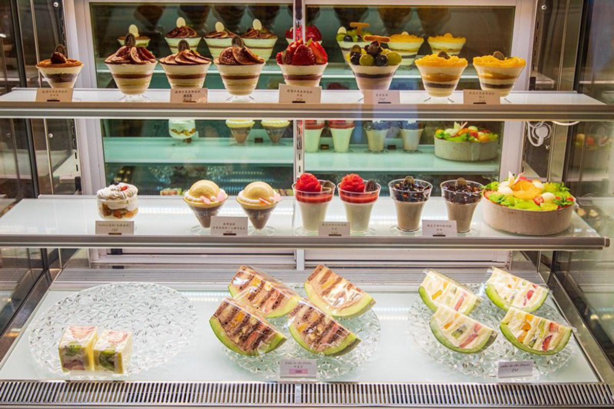 不必飛東京也吃得到!中山區日系甜點用整塊哈密瓜裝,先吃蛋糕再嘗果肉超有哏