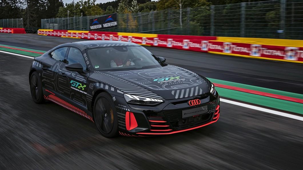RS e-tron GT原型車將扮演Spa 24小時耐久賽前導車。(圖片來源/ Audi) e-tron GT將推RS版本 鋼鐵人最終座駕有望擁700匹馬力