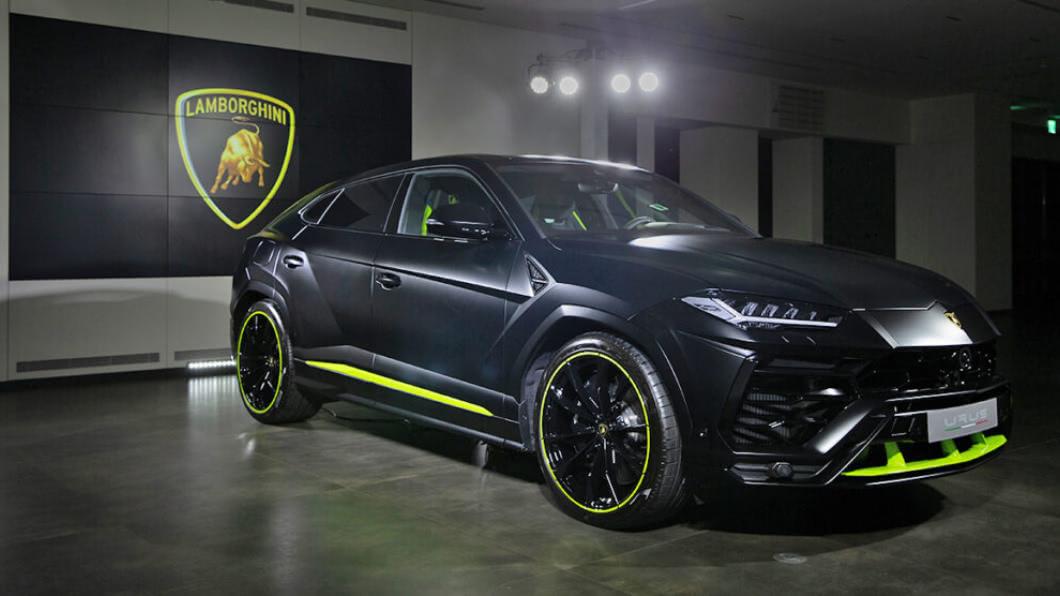 Urus Graphite Capsule臻選訂製系列包含白、黑、銀、灰四種霧面車色。(圖片來源/ Lamborghini) 「石墨」消光版Urus正式抵台 售價1,588萬元起