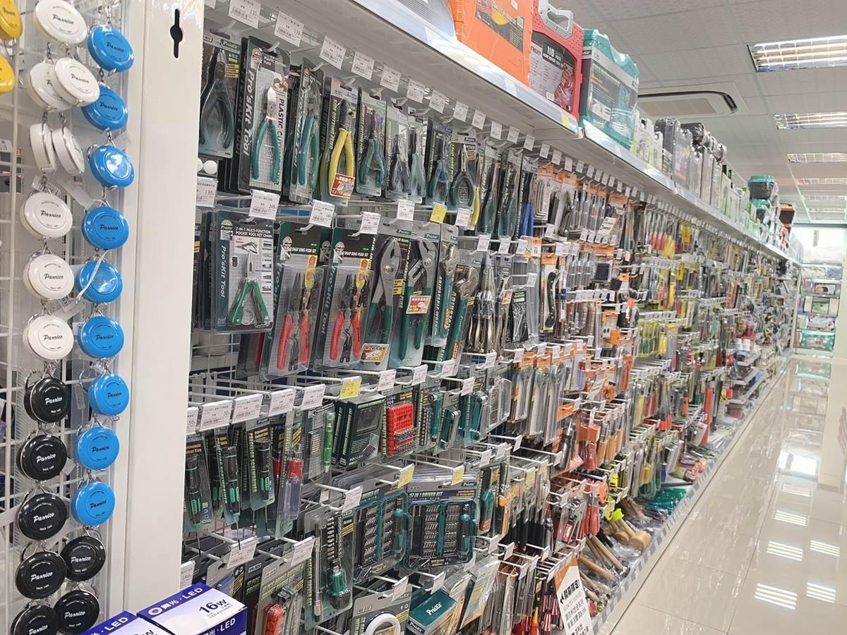 「男生版寶雅」這裡逛!超狂五金行「寶家」近3萬件商品可買,只要帶手機就能敗家