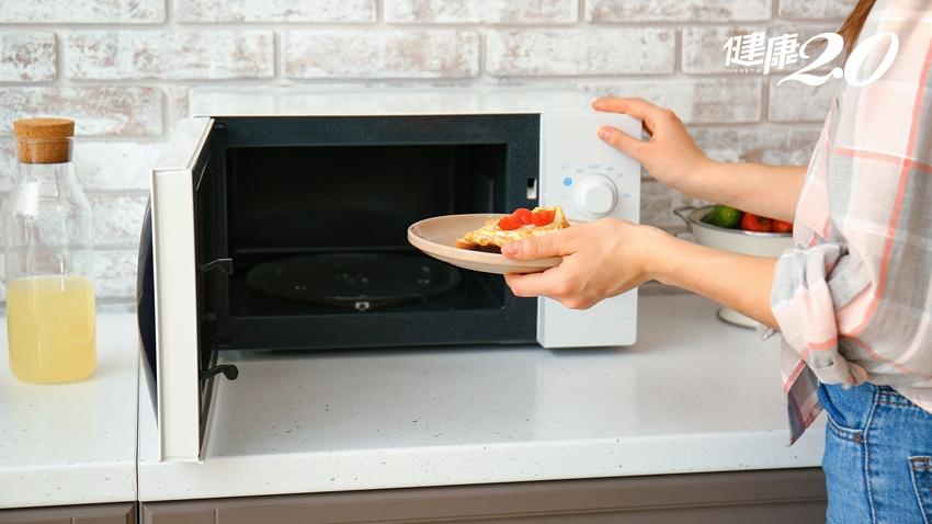 電鍋、烤箱、微波爐、氣炸鍋哪個好?小心營養素變毒素!營養師公開「最佳使用頻率」