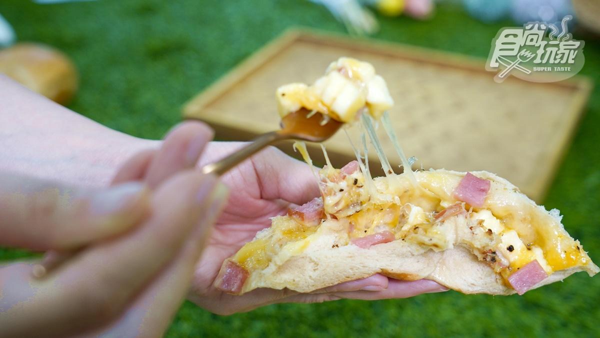 全台最狂「日式爆餡」貝果!整片披薩包進去、滿滿爆料起司,「10+1」口味這裡買