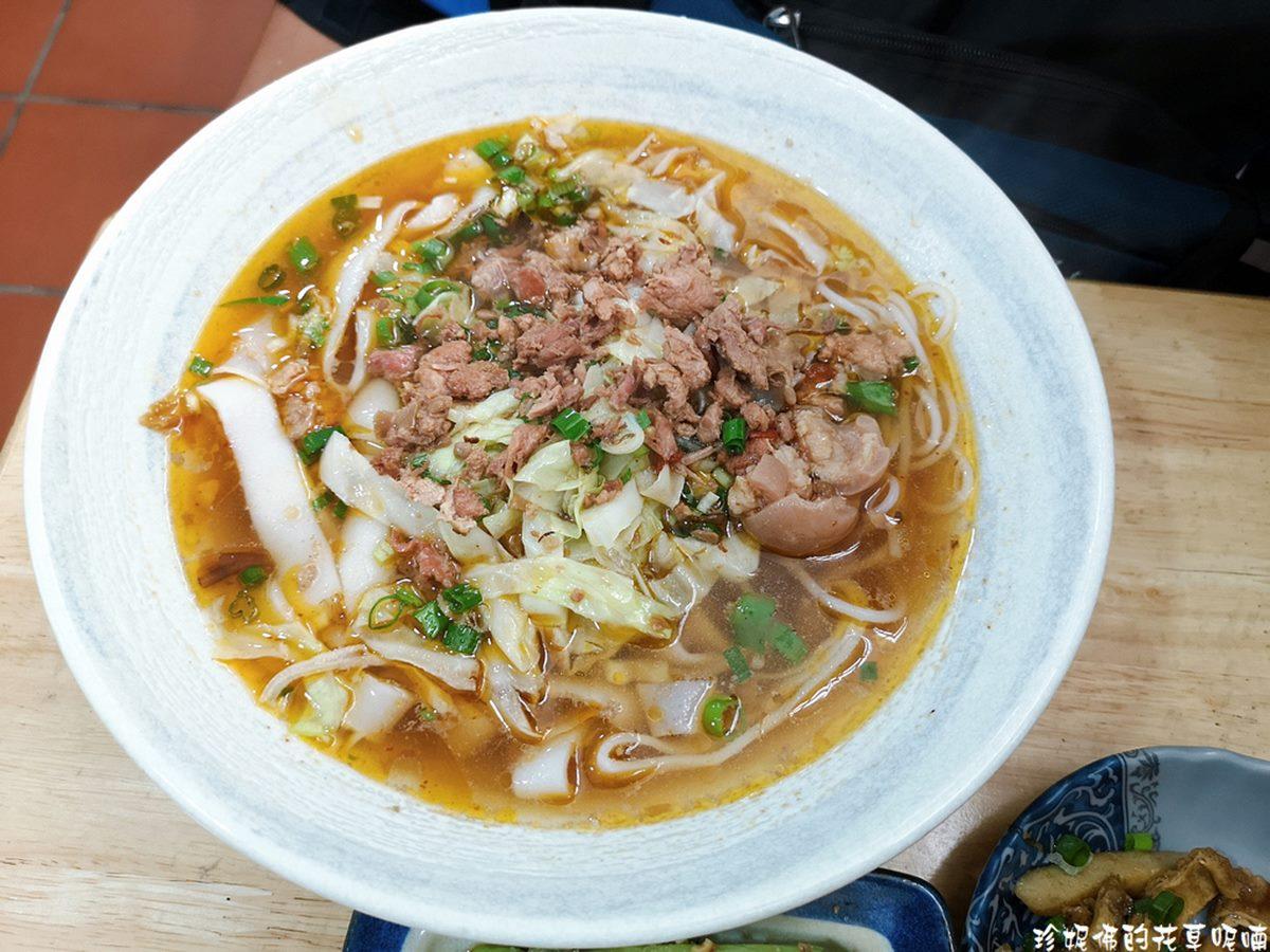 傳承三代!龍潭特製湯米干喝得到濃濃豬骨香,少見「碗豆粉」也必點