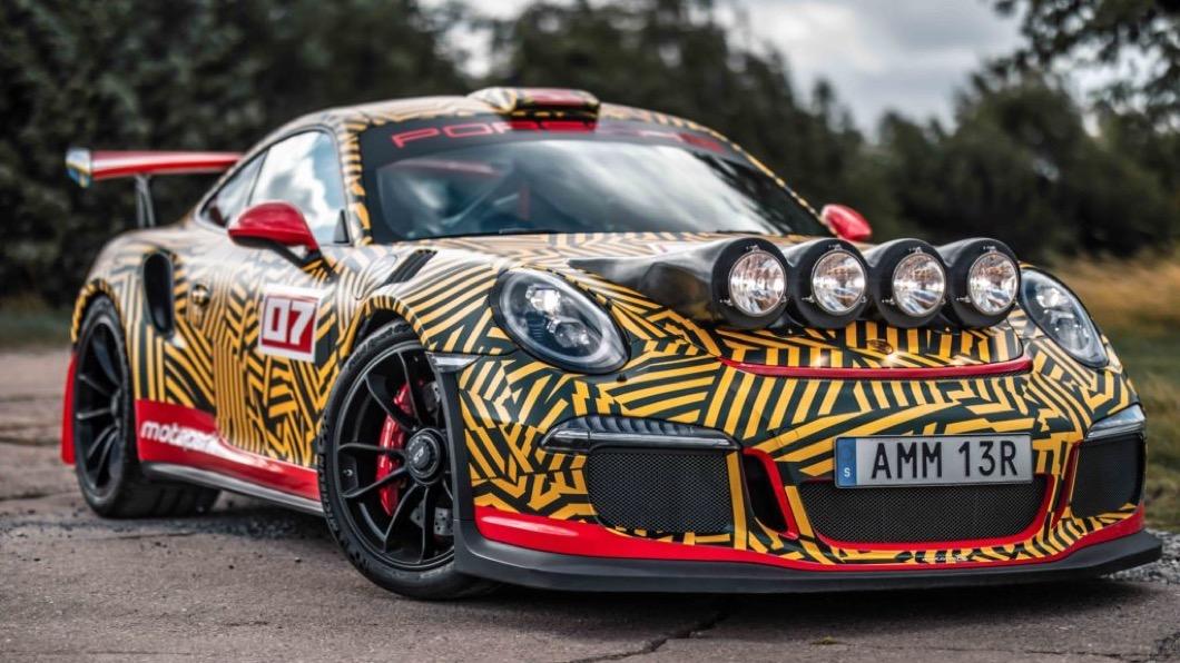 Porsche 911 GT3 RS是一款相當優秀的道路版賽車。(圖片來源/ Motopark) Porsche 911 GT3 RS搖身成為拉力戰車 但底盤不加高真的沒問題?