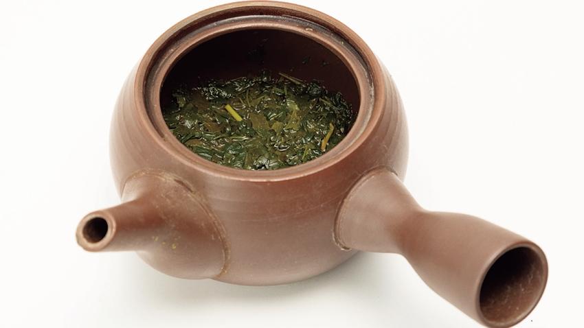 你泡茶時,熱水直接倒?喝茶4禁忌不要犯!隔夜茶能喝嗎?