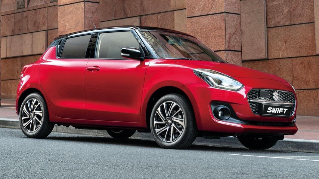 全新小改款Swift自12/1起開始接受預定,並預計在12/25正式在台上市。(圖片來源/ Suzuki) 小改款Suzuki Swift預售價72萬起 搭載輕油電系統12/25正式上市
