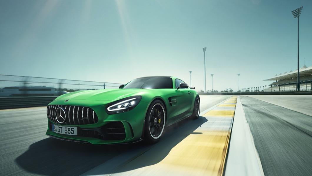 台灣賓士於12/3宣布,全新年式M-AMG GT及GT R即日起開放接單。(圖片來源/ M-Benz) 小改款M-AMG GT/GT R在台上市 預售價697萬起