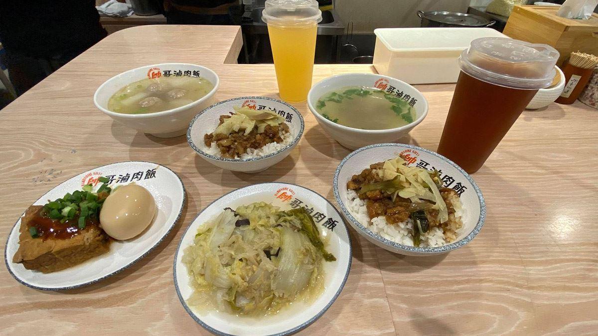 【食尚首播】傳承三代!台北黃金比例滷肉飯有滿滿膠質,老饕肉湯肉質鮮嫩帶中藥香