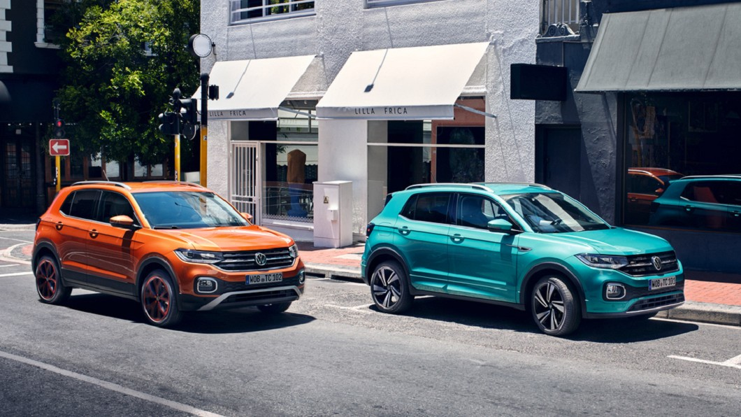 入主正21年式T-Cross指定車型可享有首次保養免費,搭配最新的長里程彈性保養方案,回廠更換機油週期延至最長二年或最多30,000 公里,更另外加贈第五年延長保固(圖片來源/ Volkswagen) 21年式T-Cross、Touran優惠實施中 加碼第五年延長保固