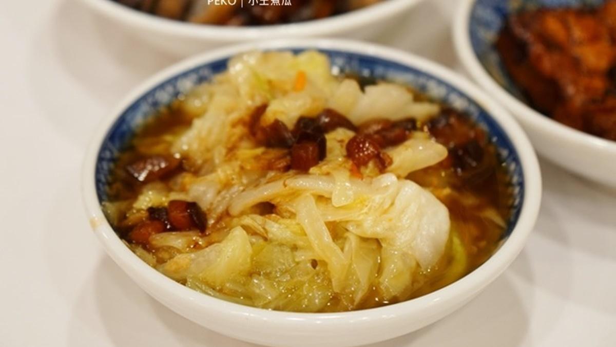 華西街夜市必吃這攤!「黑金滷肉飯」連3年獲米其林,膠質滷汁拌香Q米飯超唰嘴