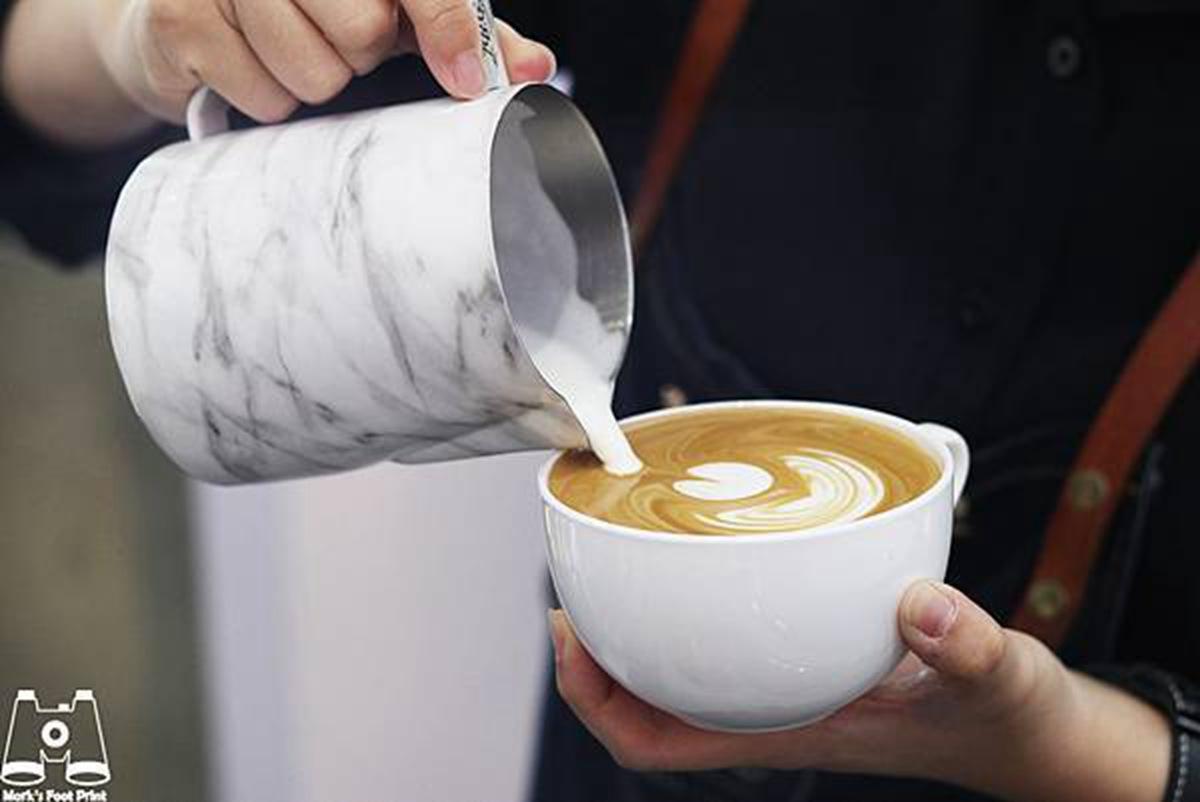 咖啡控喝起來!「台中黑沃咖啡」不輸星巴克,再點冠軍「黑糖黑玉拿鐵」