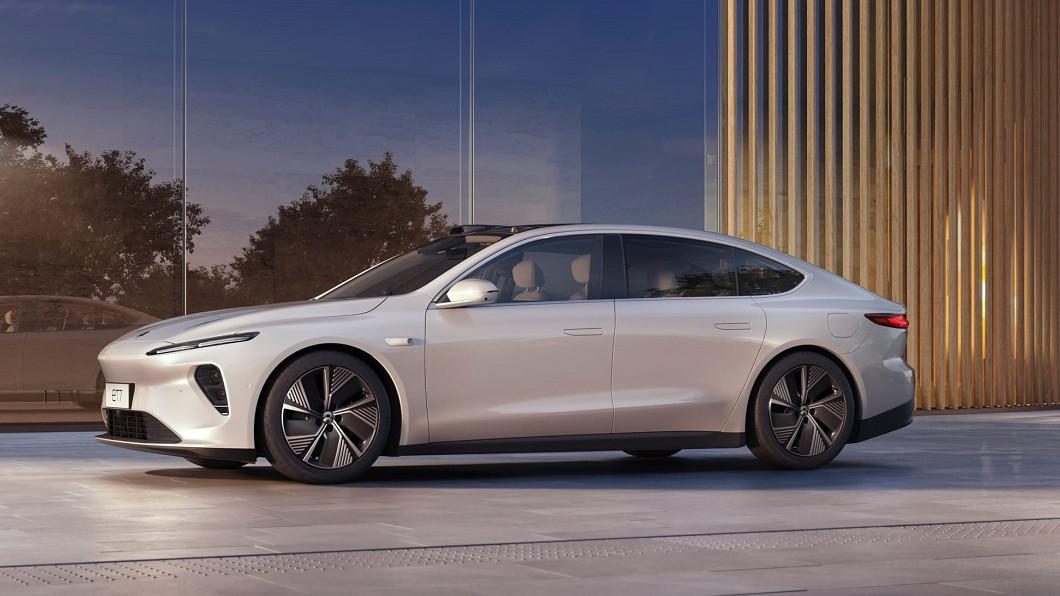 中國電動車品牌蔚來汽車(NIO)在1/9年度盛會蔚來日(NIO Day 2020)中,正式發表了旗下首款自動駕駛車型ET7。(圖片來源/ 蔚來汽車) 蔚來ET7配備直指豪華車 創辦人:各方面都比BMW強